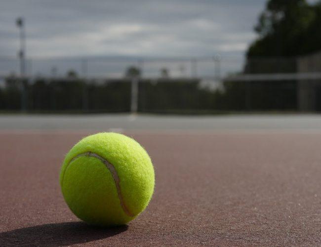 Hur Länge Håller Tennisbollar? Allt du Bör veta!