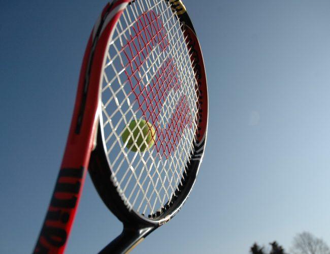 Så Slår du Hårdare i Tennis [Komplett Guide]